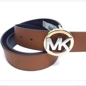 NWT Michael Kors Reversible Leather Belt Size Med